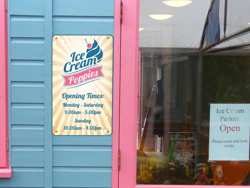 deon-design-poppies-ice-cream-signs